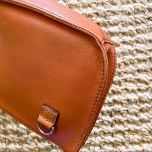Lo & Sons Bags - Lo & Sons original Waverly convertible bag purse